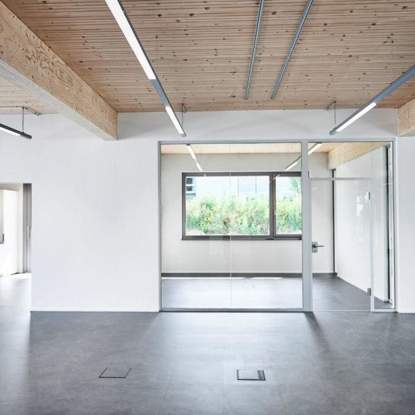 Bürofläche mit Blick auf Einzebüros